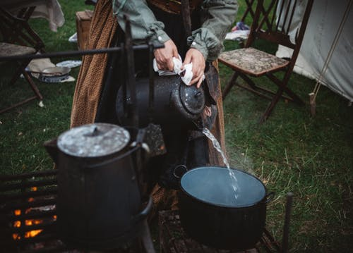 Camping Cooking: 10 Basic Cooking Equipment